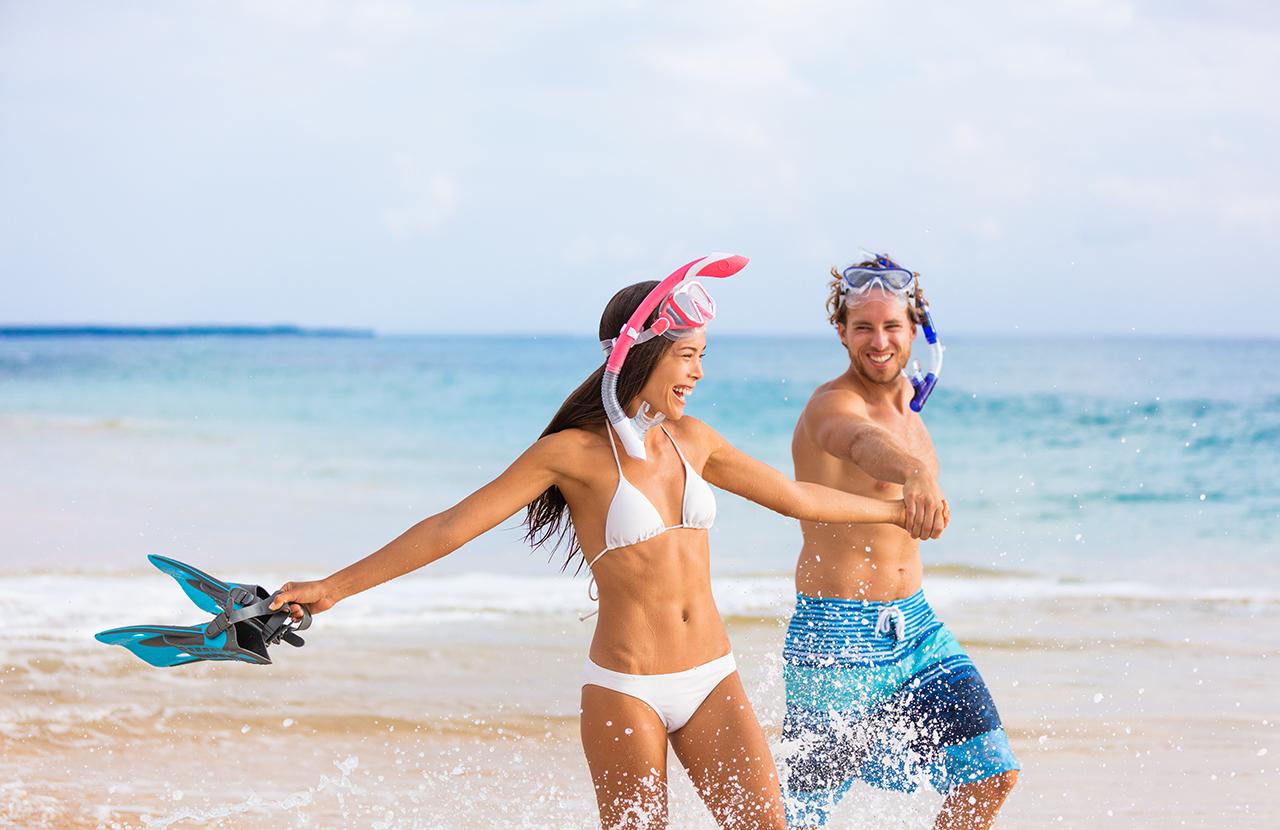 Snorkel Couple in Kauai