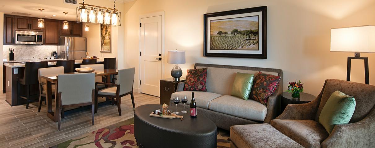 Guestroom at Vista Collina Resort